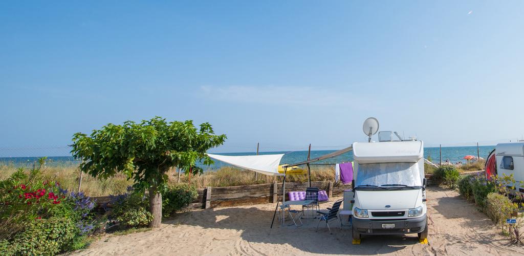 AIRE DE CAMPING CAR BEACH FARRET VIAS