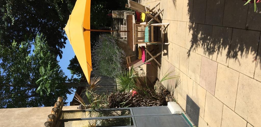 Vu-terrasse-avec-salon HLOLAR034NO08930-19