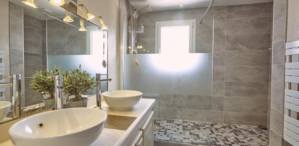 Buisson-6P-salle-de-bain ©-2019-Buisson-otfrontignan