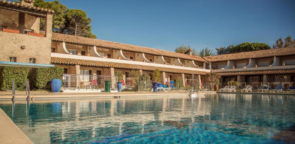 --Piscine-Hotel Motel La côte bleue