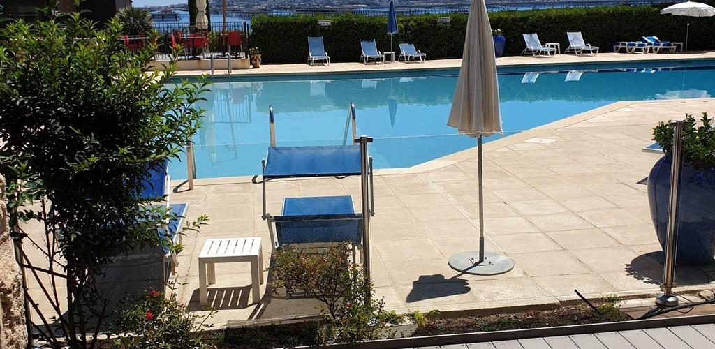 --Piscine-Vue-rdc Motel La côte bleue