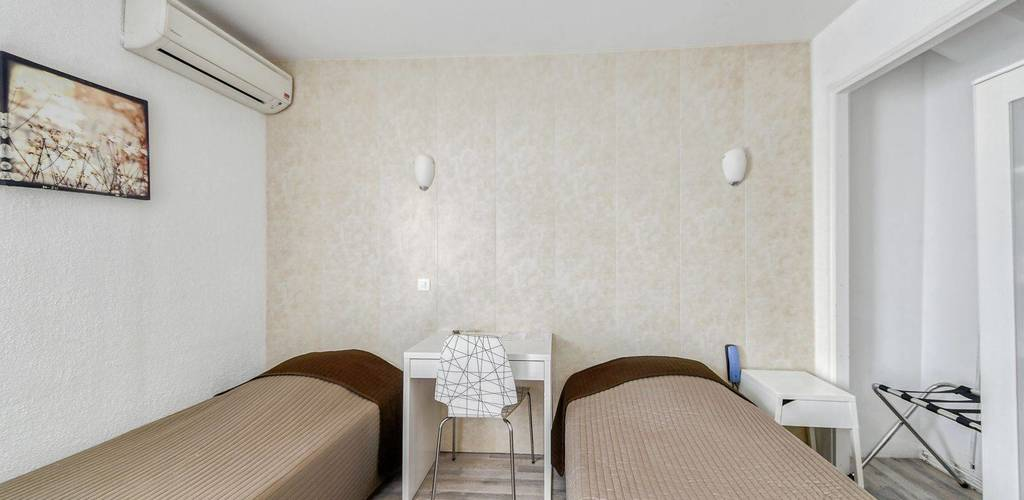 15 - Chambre Standard 02 sarl MGRP