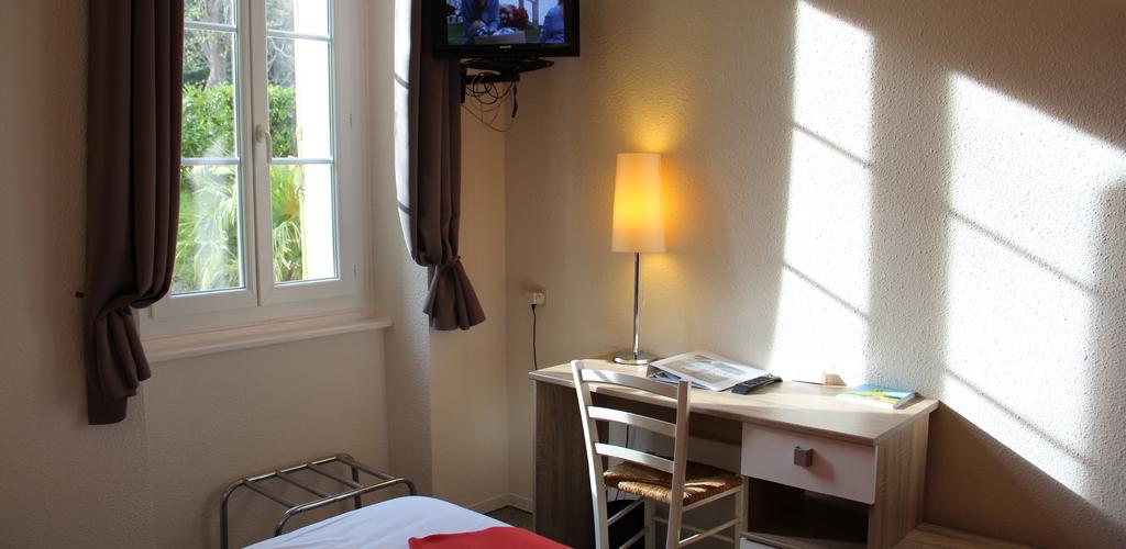 Chambre 6 Hôtel des thermes - chambre 6