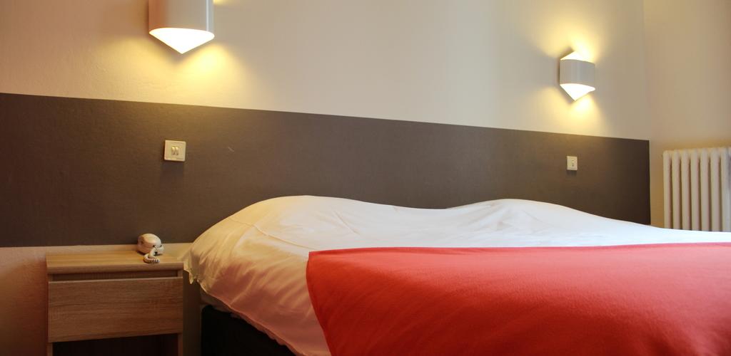 Chambre 1 Hôtel des thermes - chambre 1