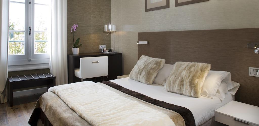 3 HOTEL DES ARCEAUX