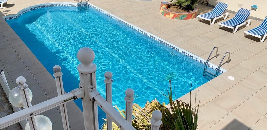 Hotel Motel Amerique Palavas les flots piscine Hotel Amerique A Hieblot