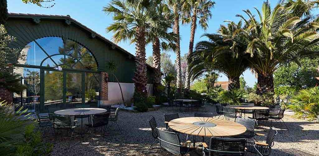Hôtel Saint Alban*** à Nézignan l'Evêque - Extérieur de la salle de séminaire 2019-David Grimbert - OT Cap d'Agde Méditerranée