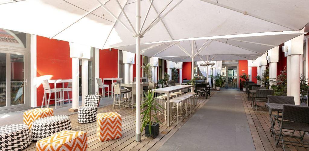 patio hotel de paris