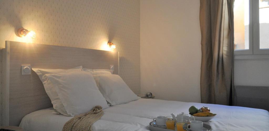 Chambre-c--t---patio-1 Hotel de la Mer