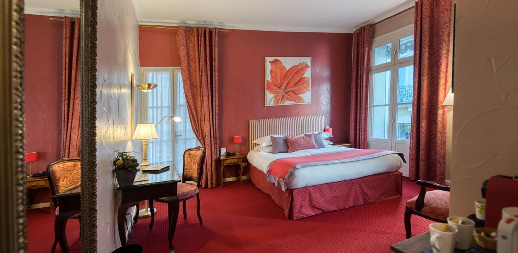 Sevigne-04-02 Hôtel d'Aragon