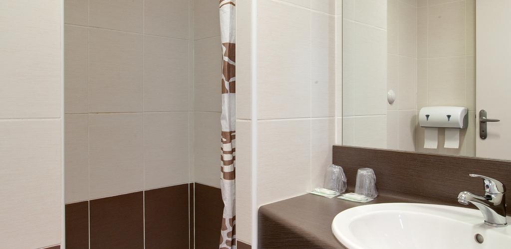 HOTELARENA_OTM_jp3 salle de bain douche