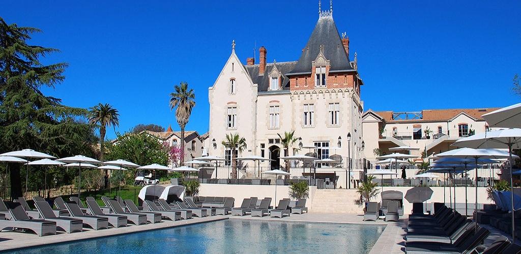 Château Saint Pierre de Serjac hôtel Château Saint Pierre de Serjac