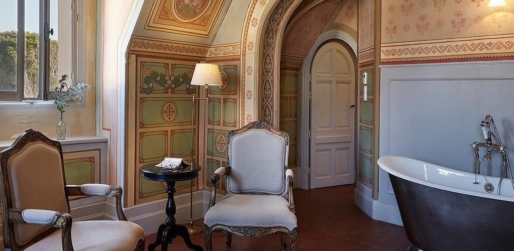 Saint Pierre de Serjac Hôtel chambre la Chapelle 2 Château Saint Pierre de Serjac