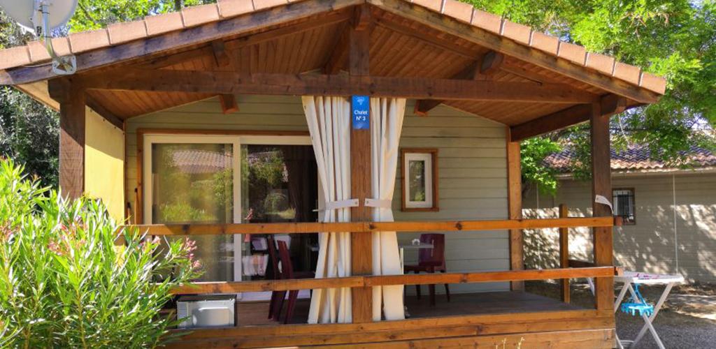Camping Castelsec *** à Pézenas - Location chalet 2019 - Camping Castelsec - OT Cap d'Agde Méditerranée