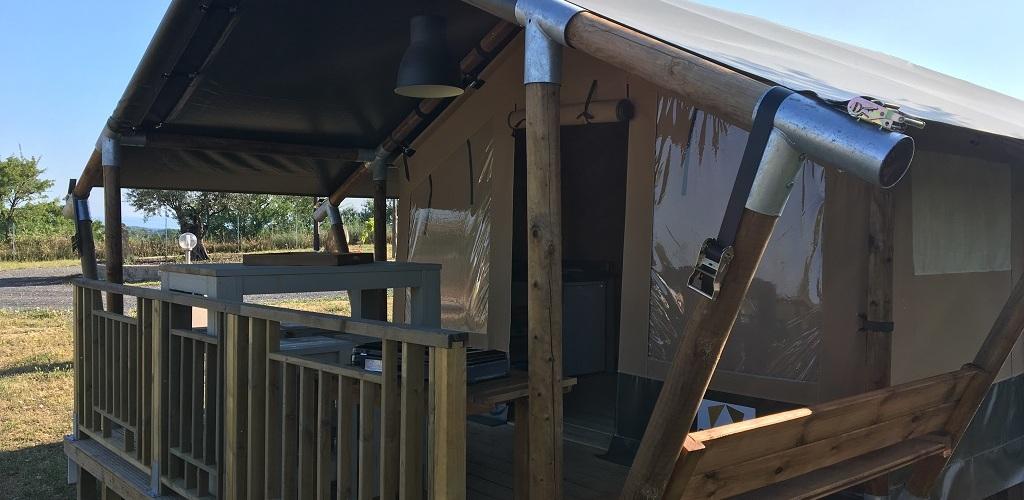 Camping Les Amandiers 3* à Castelnau de Guers - Tente Safari Camping Les Amandiers 34120 Castelnau De Guers