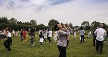 HAPPY MANIF - DANCE