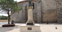 MONUMENT AUX MORTS - SAUVIAN