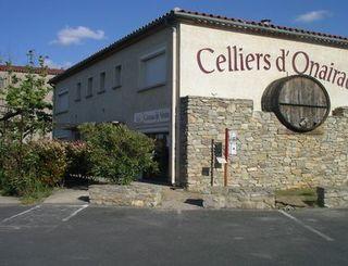 LES CELLIERS D'ONEIRAC EXTERIEUR CAVEAU LES CELLIERS D'ONEIRAC