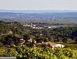 LE VILLAGE DE LA LIVINIERE VU DE SAINTE EULALIE Sud de France Développement