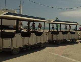 HLOLAR0340006119_0 petit train de la plage