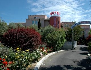 Hôtel Azur-Extérieur, jardin et entrée de l'hôtel Hôtel Azur