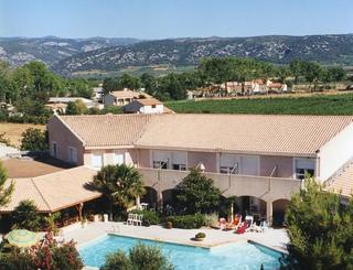 Vue aérienne de l'hôtel St Benoit Clara Felden