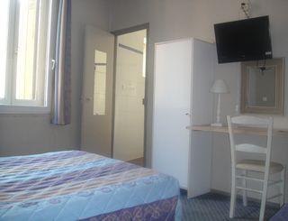 Hôtel TERMINUS_3èmechambre_BEZIERS_14nov2011 Hôtel Terminus