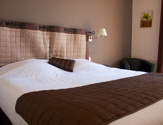 HOTELCLOSDELAUBEROUGE_Chambre confort AUBE ROUGE