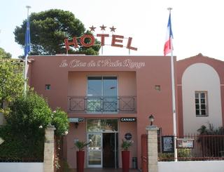 HOTELCLOSDELAUBEROUGE_Facade entrée AUBE ROUGE