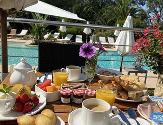 Petit déjeuner Golf Hôtel LGM
