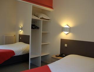 Chambre 7 Hôtel des thermes - chambre 7