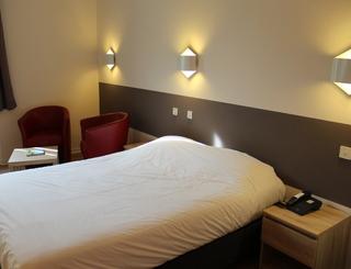 Chambre 3 Hôtel des thermes - chambre 3