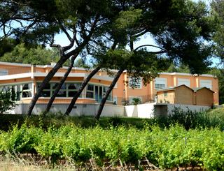 Les Rocailles façade2 Montagnac Hôtel Les Rocailles