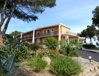 Les Rocailles façade Montagnac Hôtel Les Rocailles