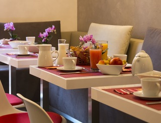 8 HOTEL DES ARCEAUX