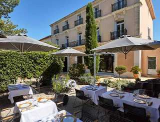 Hôtel Saint Alban*** à Nézignan l'Evêque - Terrasse du restaurant 2019-David Grimbert - OT Cap d'Agde Méditerranée