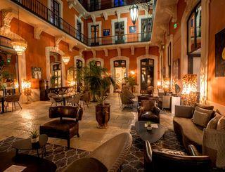 le grand hotel patio ©Olivier Maynard