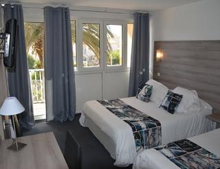 chambre 3 personne © Hotel Albizzia Valras