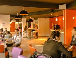 lobby-bar-apéro-apéritif-fête-hotel-montpellier-hotelio HOTELIO