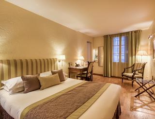 Petrarque-02-01 Hôtel d'Aragon