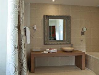 chateau de siran : salle de bains ©chateau de siran