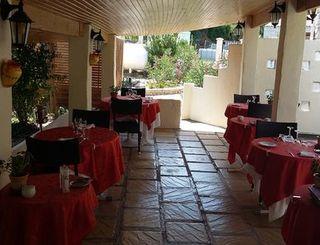 logis herault - vieux chene - terrasse 2 logis herault