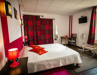 Hostellerie Le vieux chêne-Causse de la Selle_0 Sud de France Développement