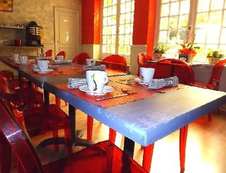Photo 6 salle du petit déjeuner Mr FERRIOL - Hôtel Impérator
