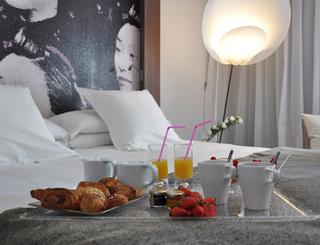 Ozinn Hôtel-Chambre avec petit-déjeuner Oz'inn Hôtel-Office de Tourisme Cap d'Agde Méditerranée