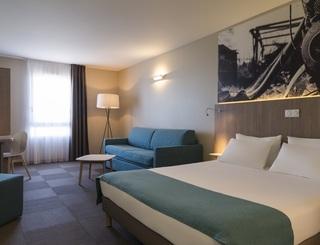 NewBrand-3418-junior-suite-jusqu-a--4-personnes-3020 © 2019 - The Originals Hotel Montpellier Est Ecoparc