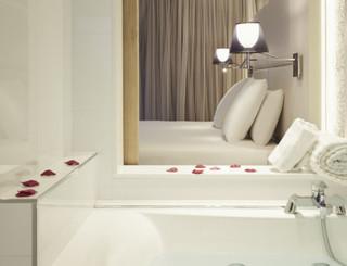 Mercure Golf Cap d'Agde-La salle de bain suite privilège Mercure Golf Cap d'Agde-Office de Tourisme Cap d'Agde Méditerranée