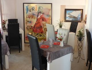 P1030103 salle restaurant intérieur