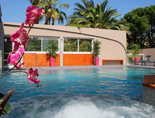 piscine-1-3113 © GIL DE FRANCE