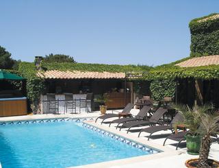 hotel-la-bergerie-pinède-saint-jean-au-cap-d-agde - L'extérieur, terrasse , piscine et bar Hôtel La Bergerie du Cap